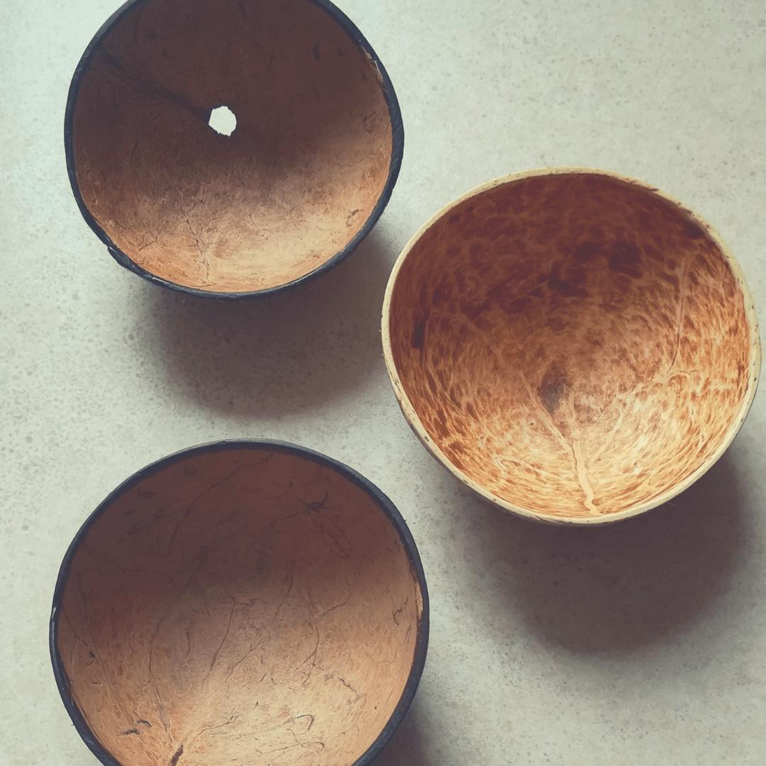 hotové kokosové misky